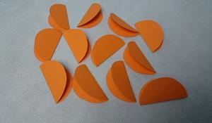 KROK I - Wycinanie papierowych kółek